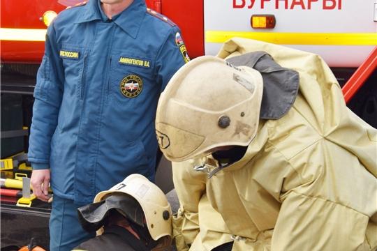 Вурнарским школьникам показали пожарную технику