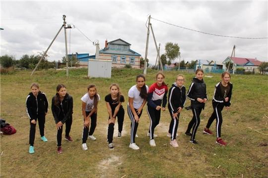 Учащиеся 8 класса МБОУ «Яльчикская СОШ» сдали нормы ГТО по беговым дисциплинам
