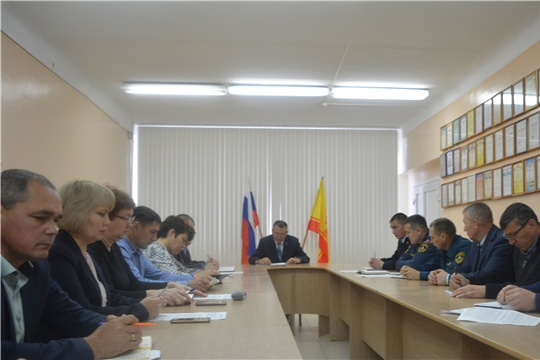 Сегодня под председательством главы администрации Яльчикского района Николая Миллина состоялось заседание комиссии по предупреждению и ликвидации чрезвычайных ситуаций и обеспечению пожарной безопасности Яльчикского района
