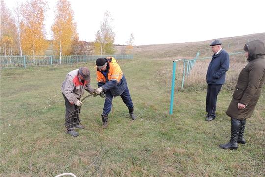 Глава администрации Яльчикского района Николай Миллин ознакомился с ходом ремонтных работ в селе Яльчики