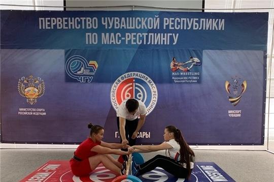 Две серебряные медали у яльчикских спортсменов на первенстве Чувашии по масс-рестлингу среди юниоров и юниорок