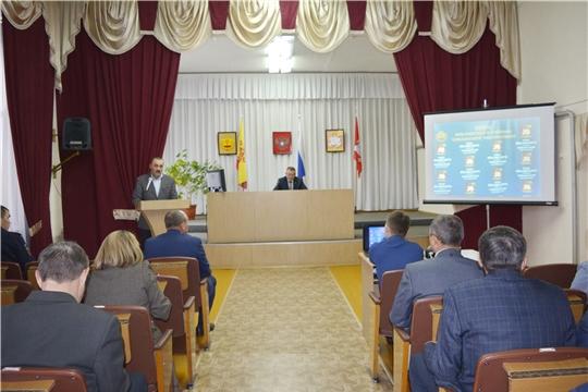 Глава администрации Яльчикского района Николай Миллин провел еженедельное совещание с руководителями