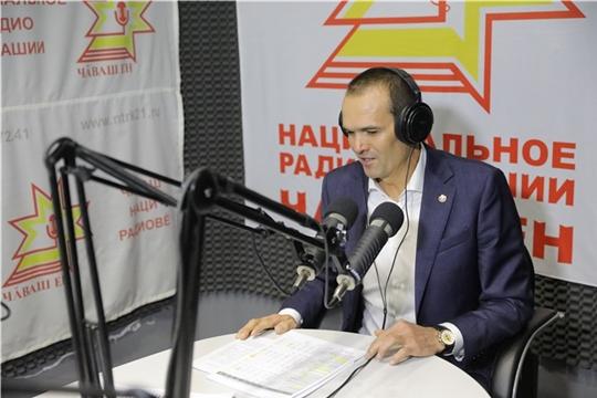Михаил Игнатьев в прямом эфире ответил на вопросы жителей республики