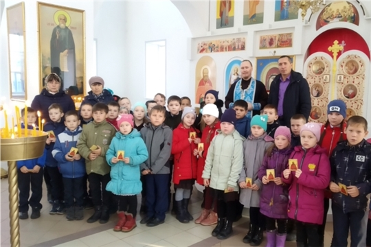 На территории Яльчикского благочиния проходит Крестный ход