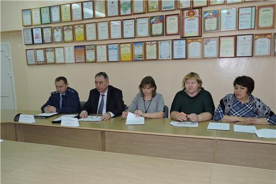 Состоялось очередное заседание Межведомственной комиссии при главе администрации Яльчикского района