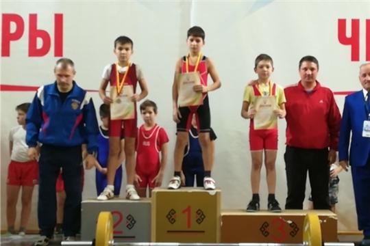Яльчикские тяжелоатлеты успешно выступили в республиканских соревнованиях