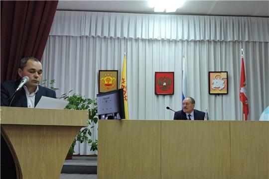 Реализация проектов развития общественной инфраструктуры и новогоднее оформление - главные вопросы еженедельного совещания в администрации Яльчикского района