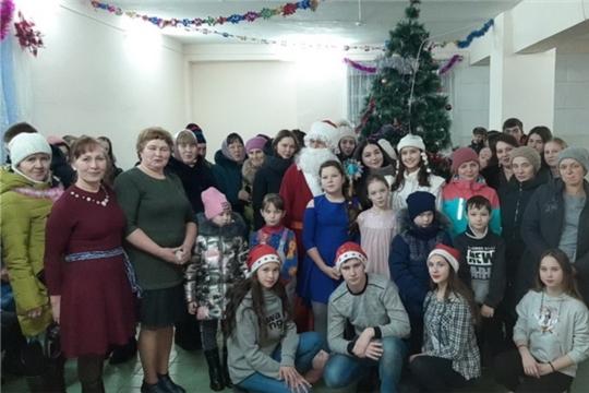 Шоу-программа «Новый год отметим вместе, танцем, юмором и песней»