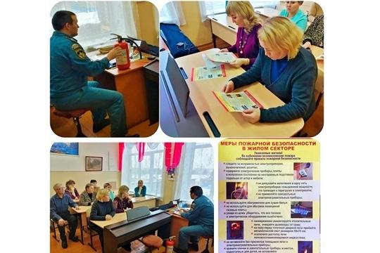 В Янтиковском районе началась проверка готовности учреждений образований и культуры к безопасному проведению новогодних праздничных мероприятий