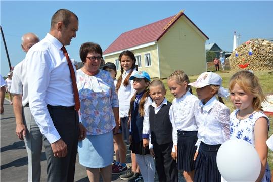 В День Республики Михаил Игнатьев принял участие в открытии парка в с. Старые Айбеси