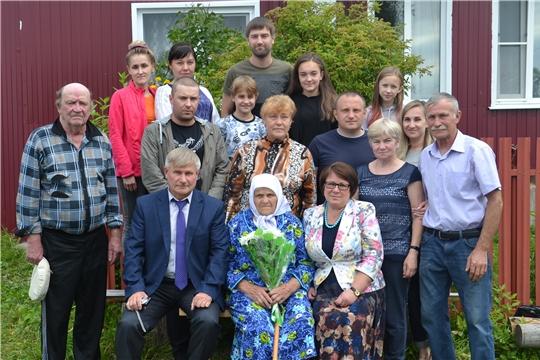 Жительница поселка Атрать отметила 90-летний юбилей