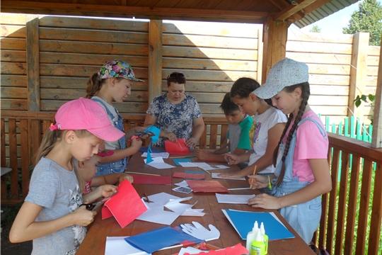 Работники музея провели мастер - класс «Триколор своими руками»