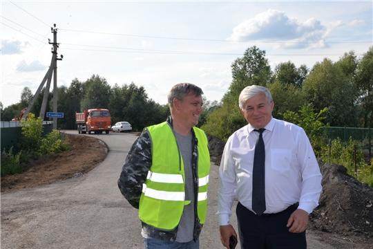 Врио главы администрации Батыревского района проинспектировал ход строительства и ремонта автодорог