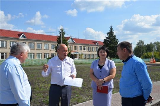 Глава администрации Батыревского района провел инспектирование строящихся объектов