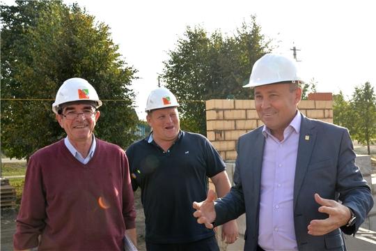 Р.Селиванов проинспектировал ход строительства сельского клуба