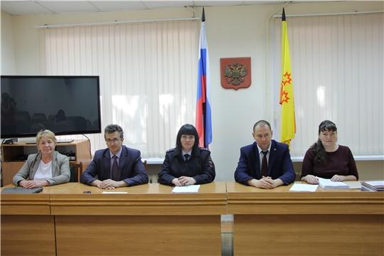 Заседание комиссии по делам несовершеннолетних и защите их прав администрации Чебоксарского района