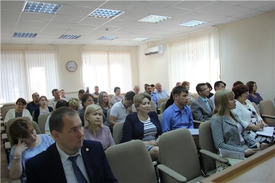 Рабочая неделя в администрации Чебоксарского района началась с обсуждения наиболее актуальных вопросов