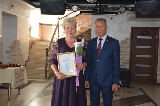 В Чебоксарском районе поздравили работников торговли с профессиональным праздником