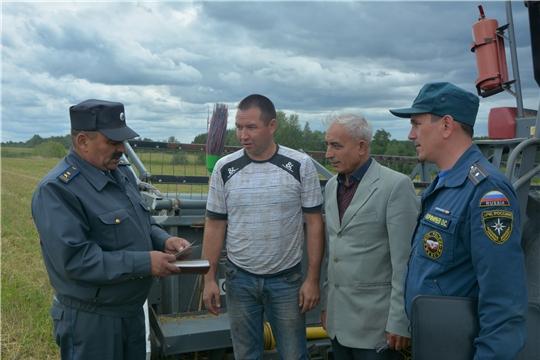В Чебоксарском районе продолжается технический осмотр зерноуборочных комбайнов