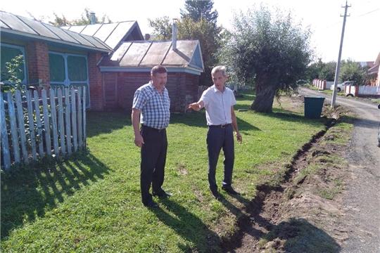 За счет субсидий республиканского бюджета ремонтируются дороги в деревне Синьял-Покровское