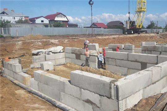 Вячеслав Рафинов ознакомился с ходом строительства Большекатрасьского детского сада