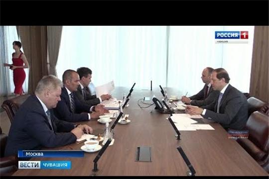 Глава Чувашии обсудил в Москве с министром промышленности и торговли России перспективы социально-экономическое развитие Чувашии