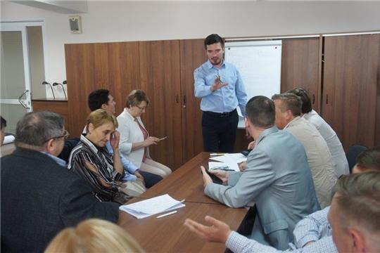 В Чебоксарах состоялась стратегическая сессия по национальным проектам
