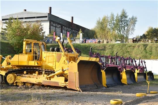 В Чебоксарах презентовали уникальную модель нового отечественного бульдозера – ЧЕТРА Т40.03