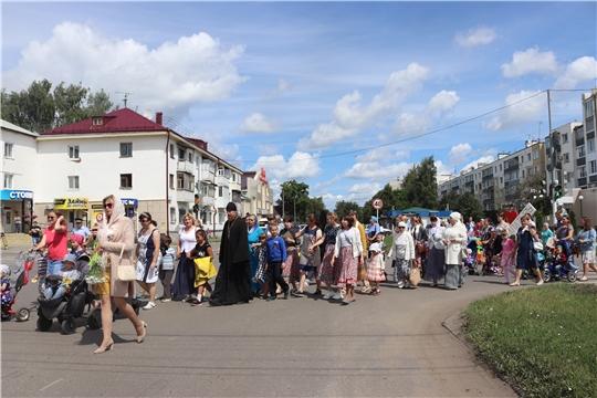 В День семьи, любви и верности в Алатыре прошёл «Семейный парад»