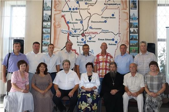 Руководство Алатыря обсудило вопрос, касающийся сохранения и дальнейшего развития культуры в городе
