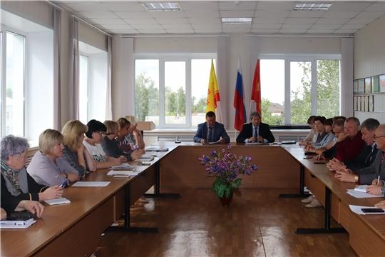 Обсуждены актуальные вопросы в ходе очередного заседания Собрания депутатов города Алатыря