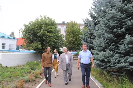 С участием главного архитектора Чувашской Республики Александра Шевлягина в Алатыре обсудили вопрос, касающийся реконструкции исторической части города