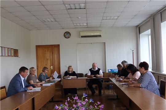 В администрации города Алатыря проведено совещание с директорами школ.