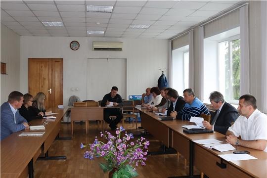 г. Алатырь: на совещании обсудили вопросы управления жилым фондом и подготовку к отопительному сезону