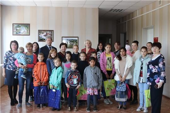 Нуждающимся детям в Алатыре вручили школьные принадлежности