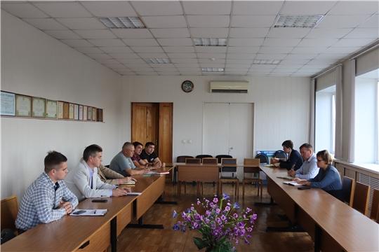 Глава администрации города Алатыря провёл рабочую встречу с руководителями подрядных дорожных организаций