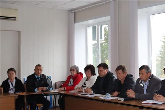 Глава администрации города Алатыря В.И. Степанов провёл рабочее совещание с руководителями муниципальных унитарных предприятий и управляющих организаций
