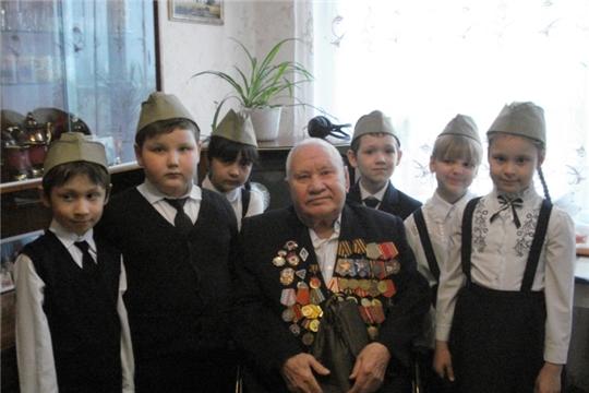 Агитбригада «Журавли» чебоксарского комплексного центра поздравит на дому ветеранов с Днем Победы