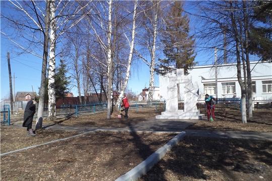 Ко Дню Победы жители Московского района г.Чебоксары провели мероприятия по благоустройству памятных мест