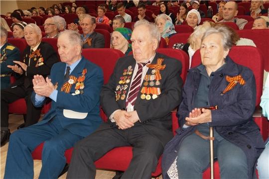 Ко Дню Победы: ветеранам Ленинского района г.Чебоксары подарили большой концерт