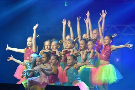 В Ледовом дворце «Чебоксары Арена» прошел при полном аншлаге праздничный концерт благотворительной акции «Стань первым!»