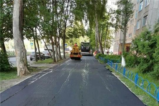 В Калининском районе г. Чебоксары завершены работы по обновлению асфальта во дворах