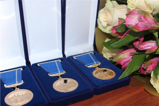 В Чебоксарах отметили День физкультурника и вручили юбилейные медали «В память о 550-летии города Чебоксары»