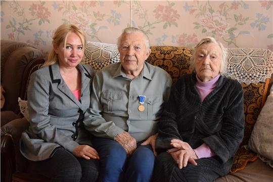 Заслуженному врачу Чувашской Республики Ивану Лунькову вручена юбилейная медаль «В память о 550-летии города Чебоксары»