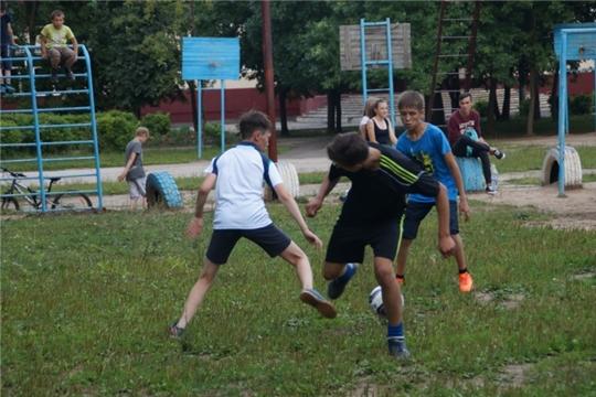 Чебоксарские школьники со спортом входят в новый учебный год