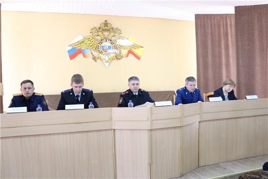 В актовом зале отдела МВД России по г. Канашу прошло совещание по итогам оперативно-служебной деятельности за первый квартал 2019 года