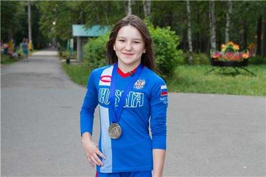 Воспитанница секции города Канаша выигрывает медаль первенства России по спортивной борьбе (вольная борьба) среди юниорок до 21 года