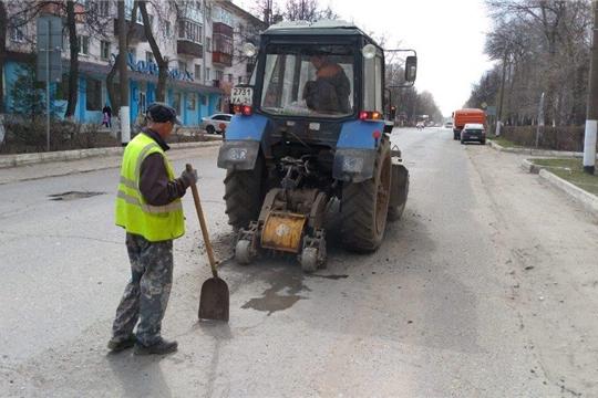ООО «Транспортник» продолжает производить работы по ямочному ремонту автомобильных дорог