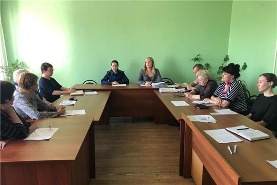 25 апреля прошло очередное заседание комиссии по делам несовершеннолетних и защите их прав администрации города Канаш