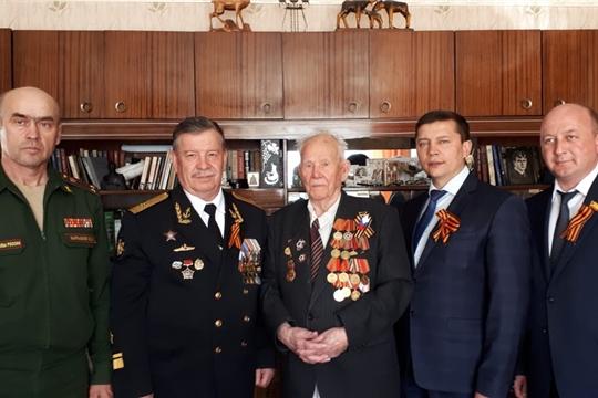 Ветеран Великой Отечественной войны Вячеслав Калинкин получил поздравление с праздником